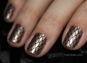 Sally Hansen Salon Effects Misbehaved Gold Fishnet Press On Polish