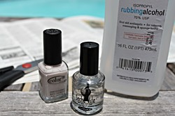 Newspaper Manicure Nails DIY Tutorial