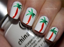Alexa Chung Palm Tree Manicure
