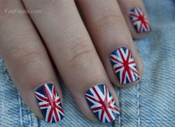 Union Jack British Flag Nails Manicure DIY Tutorial