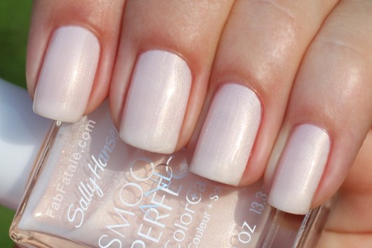 Sally Hansen Smooth and Perfect Collection - Linen Swatch
