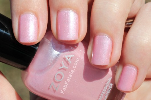 Zoya Lovely Spring 2013 GeiGei Swatch