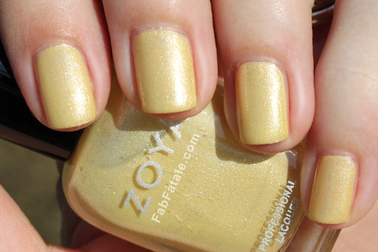 Zoya Lovely Spring 2013 Piaf Swatch