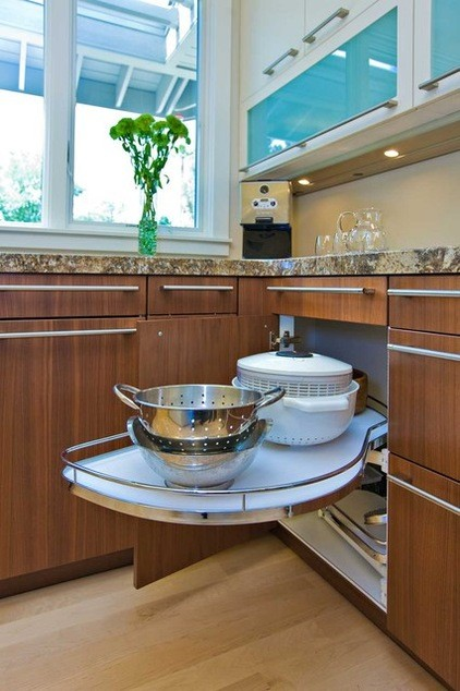 Kitchen Corner Lazy Susan Pull Out Cabinet
