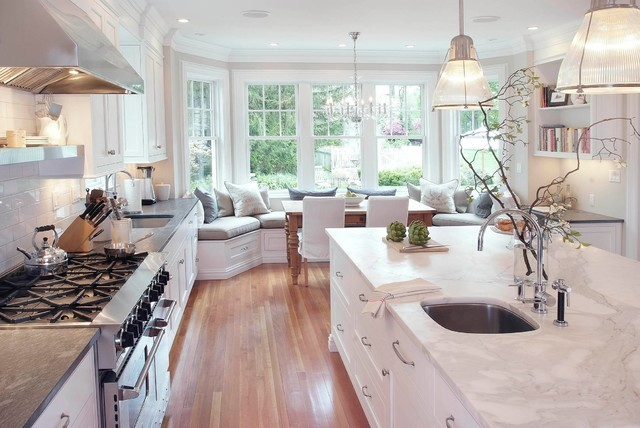 Traditional White Kitchen Black Countertops