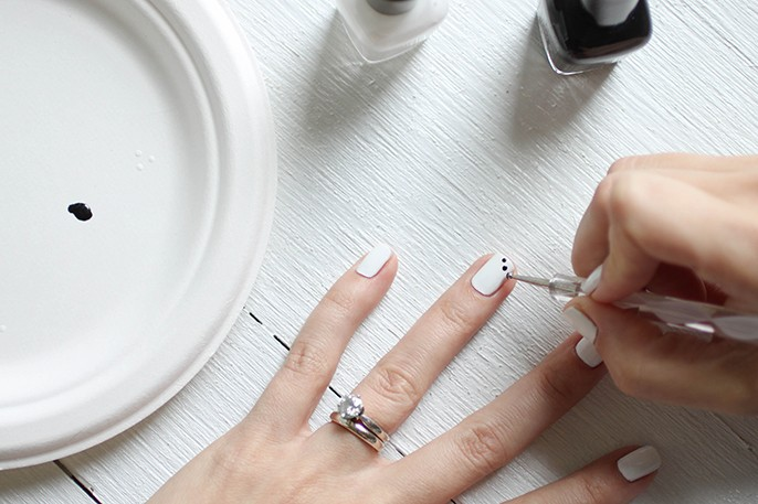 Tribal Nails - Black and White Scallop Dot Manicure with Bronze Gemstones, Perfect for Coachella