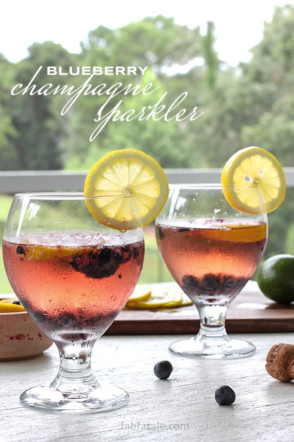 blueberry champagne sparkler cocktail recipe - perfect for a summer brunch!