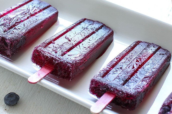 Boozey Tuesdays – Blueberry Champagne Popsicles