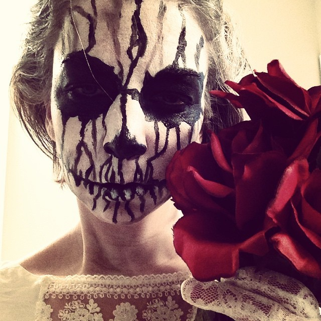 Last Minute Halloween Costume Ideas - DIY Dead Bride Skeleton Zombie