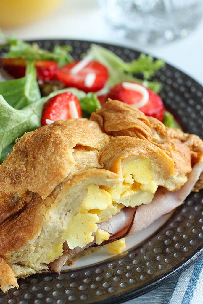 Ham, Egg, and Cheese Breakfast Braid