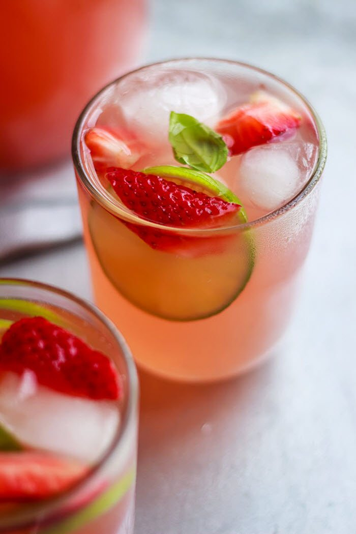 5 delicious strawberry and basil recipes for spring and summer - sweet tea, crostini appetizer, strawberry and basil lemonade cocktail, popsicles