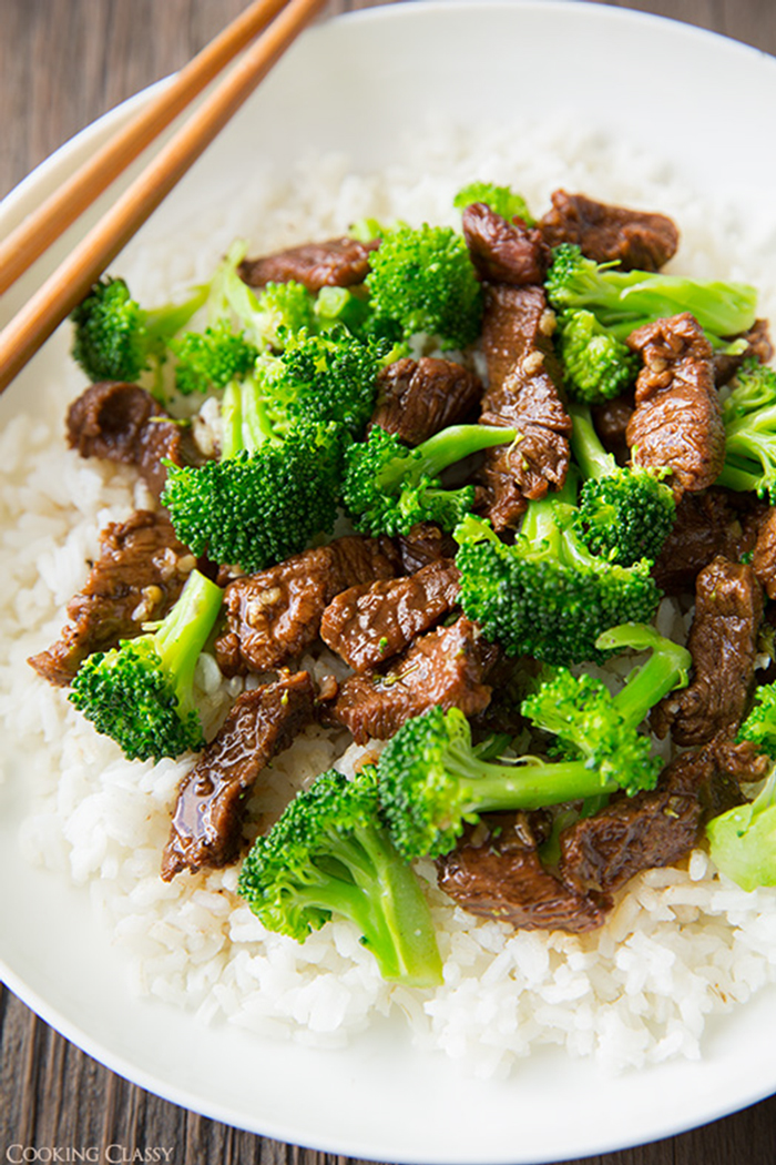 summer slow cooker recipes - slow cooker beef and broccoli