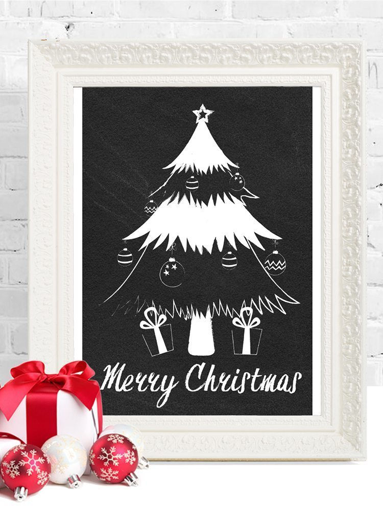 loving these free christmas printables, 6 chalkboard printables to choose from for free download - christmas tree with ornaments and presents. merry christmas!